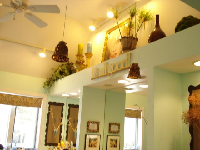 Lee's salon