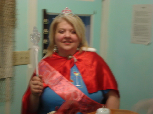 oh yeah, there she is - the birthday queen, heehee